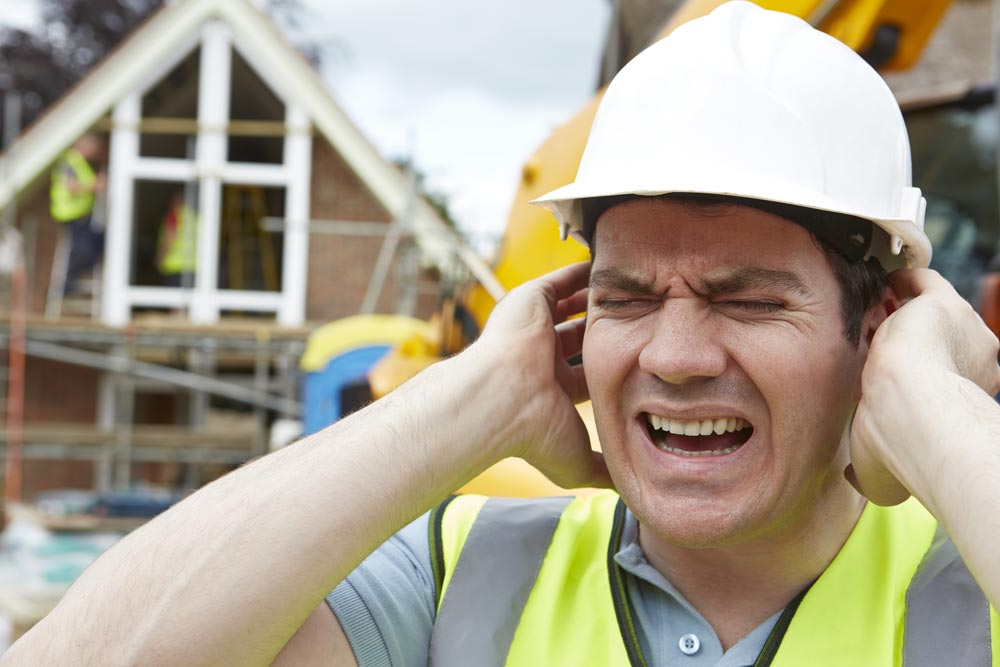 Personlig hørselsvern (øreklokker og ørepropper) kan brukes når andre tiltak er vurdert og det ikke på annen måte er mulig å fjerne eller redusere støyen.