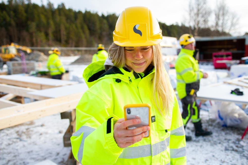 Det stilles stadig strengere krav i offentlige anskaffelser, og skal din bedrift være konkurransedyktig i 2021 bør du ha på plass noen sertifiseringer som kan dokumentere virksomhetens miljøarbeid, og hvordan kvalitetssystem en benytter.
